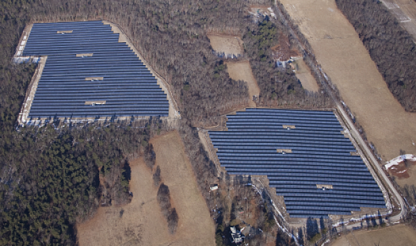 Photo of the 4.8 MW and 3.6 MW arrays in Franklin, MA